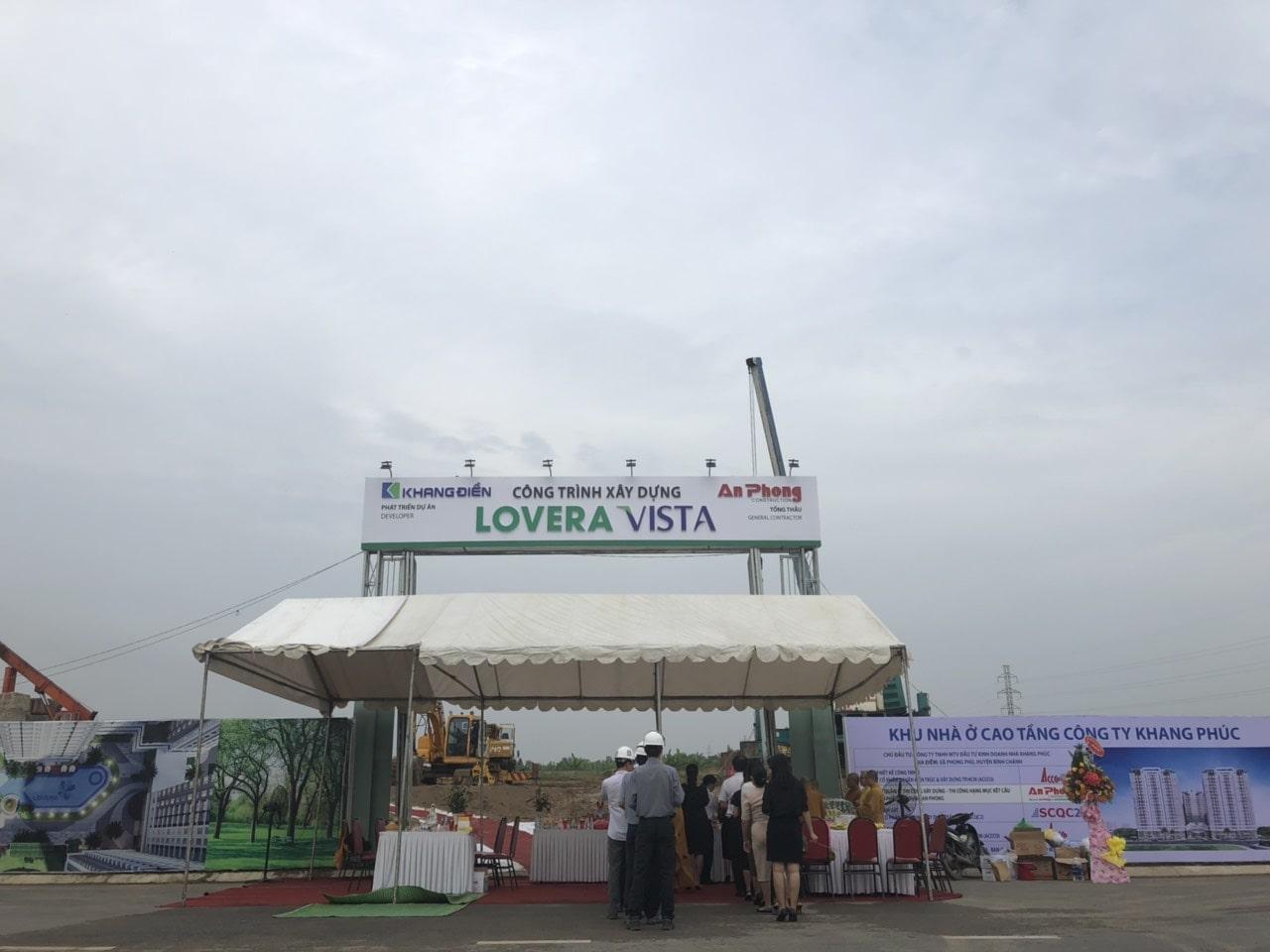 Cổng công trình xây dựng Lovera Vista Khang Điền